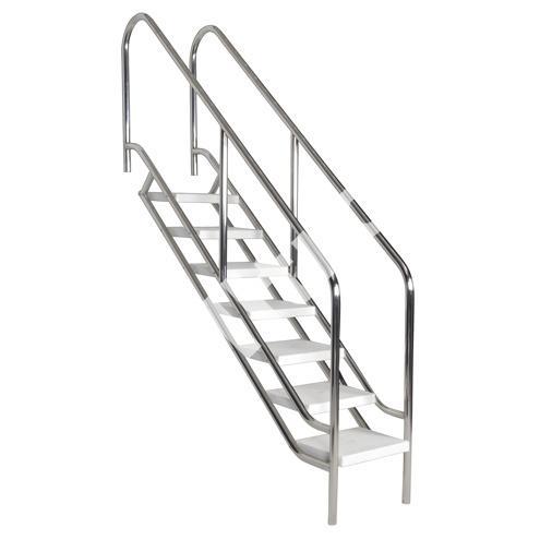 Лестница из нержавеющей стали для бассейна